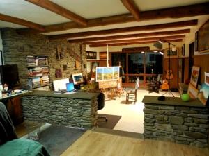 GC Myers Studio 4 AM