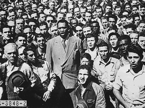 "Paul Robeson and Shipyard Workers singing ""The Star Spangled Banner"" 1942"