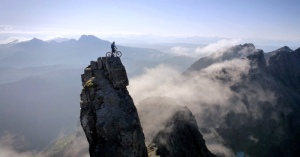 danny-macaskill-rides-the-ridge-at-the-isle-of-skye-scotland