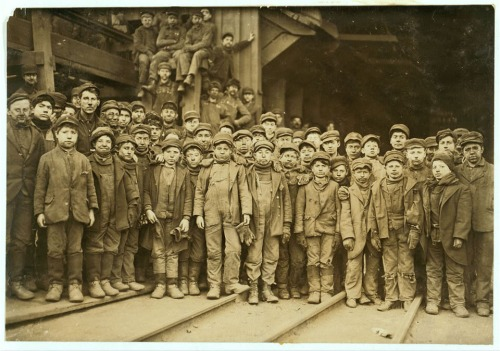 Breaker boys working in Ewen Breaker of Pennsylvania Coal Co. For some of their names see labels 1927 to 1930. Location: South Pittston, Pennsylvania.