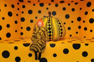 yayoi-kusama-portrait-w-pumpkin
